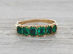 Vintage Rings 20 Top Engagement Rings from Etsy Emerald ring~ Vintage 18 k Solid gold Emerald ring… emeraldThis is not contemporary - Emerald Jewelry, Diamond Jewelry, Jewelry Rings, Jewelery, Jewelry Accessories, Jewelry Design, Diamond Art, Uncut Diamond, Emerald Diamond