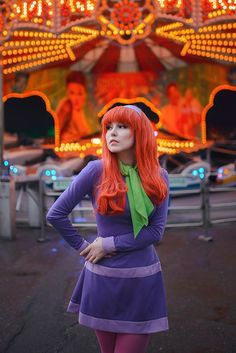 Daphne Blake From Scooby Doo Cosplay Is Unbelievably Hot Daphne Scooby Doo Costume, Scooby Doo Halloween, Daphne Costume, Halloween Cosplay, Daphne Blake Halloween Costume, Halloween Costumes For Redheads, Velma Costume, Redhead Costume, Halloween Makeup