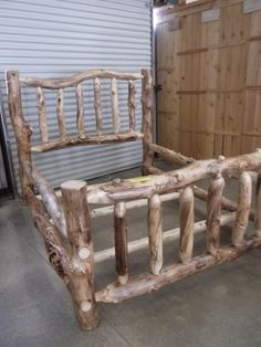Queen sized Aspen Log Bed - Mountain Products