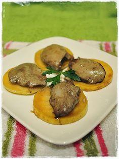 Kalandok a konyhában : Kacsamáj karamellizált almával Cook Books, Bacon, Beef, Dishes, Cooking, Recipes, Food, Meat, Kitchen