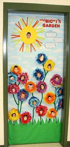 Puerta primavera-- Classroom door decoration--Spring flowers with children's… School Door Decorations, Class Decoration, Teacher Doors, School Doors, Spring Pictures, Spring Door, Classroom Door, Diy Door, Spring Crafts