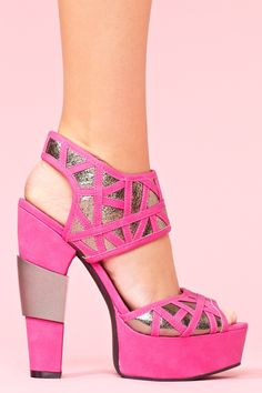 Gia Platform - Pink --> Man I only wish I could wear these 6 - inch heels without being like 6'3