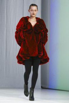 Chalayan Ready To Wear Fall Winter 2018 London Live Fashion, Fashion Show, Runway Fashion, Latest Fashion, Ready To Wear, 18th, Fur Coat, Fashion Photography, Fall Winter
