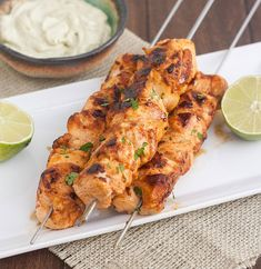 Looking for Fast & Easy Appetizer Recipes, Chicken Recipes! Recipechart has over free recipes for you to browse. Find more recipes like Chipotle Chicken Kebabs with Avocado Cream Sauce. New Recipes, Cooking Recipes, Healthy Recipes, Delicious Recipes, Chipotle Recipes, Kebab Recipes, Drink Recipes, Cooking Tips, Salada Light