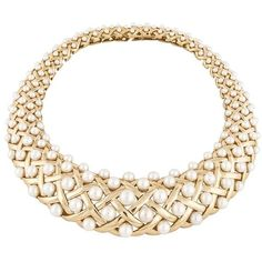 Chanel Pearl Yellow Gold Bib Collar Necklace ($59,300) ❤ liked on Polyvore featuring jewelry, necklaces, chanel jewelry, white pearl necklace, 18 karat gold jewelry, 18k necklace and 18k jewelry