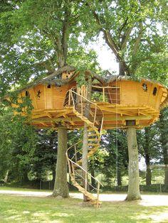Cabane dans les arbres Pigeonnier à 7 mètres pour 9 personnes, cabanes sur l'eau, tonneau, hébergements insolite, piscines, activités, loisirs, animation, nature, vacances, séjour, bretagne
