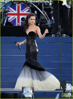 Cheryl Cole performed at the Diamond Jubilee Concert. Gorgeous dress!