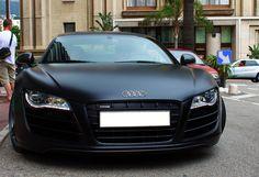 Daangg that's sexy... Matte Black Audi R8