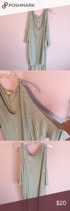 Flowy High Low cold shoulder heather grey top Super cute flowy high low top with cold shoulder! Worn once Lily White Tops Tunics