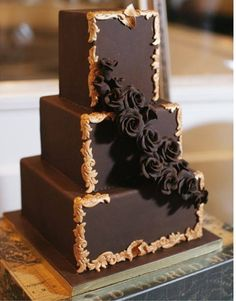 Who doesn't love chocolate - even for the wedding cake, #wedding cake #chocolate #chocolate cake #my digital wedding