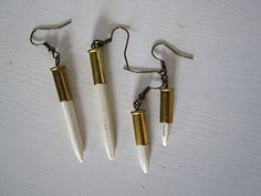 Bullet Earring av ECOSPHERE: Handmade in Sweden, made of recycled and reclaimed materials. Handgjort i Sverige, tillverkat av återvunna och återbrukade material. Free Spirit Shaking Soul. Slow fashion / sustainable fashion / Hållbart mode.