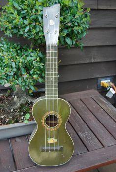 1930's vintage soprano ukulele.
