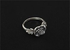 Fashion and Retro Style Flower and Wing Pattern Design Finger Ring