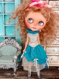 Blythe doll outfit *Spring fest*  embroidered vintage dress