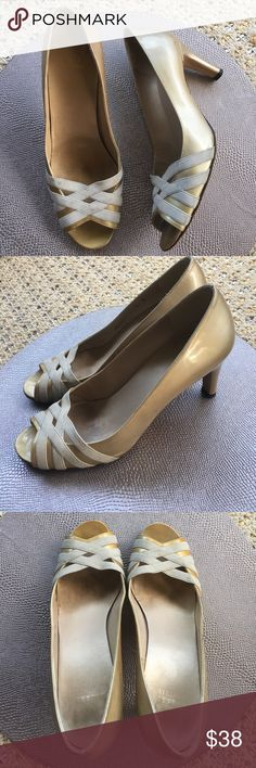 Stuart Weitzman Gold Patent Heels 9 Get Ready for the holidays with these Chic Stuart Weitzman Gold Patent heels🎄🎉 Size 9M. Minor scuffs as shown. Usual wear on sole with Lot a life left. Price reflects! Still a bargain for these Stuart Weitzman Heels 🛍 Stuart Weitzman Shoes Heels