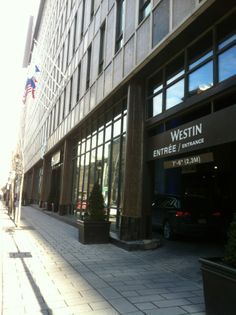Le Westin Montréal opens onto the cobblestone streets of Old Montreal and is located just across the street from the Palais des Congrès, Montreal's largest convention facility.