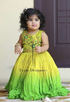 Frocks For Girls, Toddler Girl Dresses, Baby Girl Dresses, Flower Girl Dresses, Kids Dress Wear, Kids Gown, Baby Frocks Designs, Kids Frocks Design, Kids Dress Collection