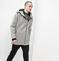 Manteau Philip Marilyne Baril 579.00 $  Le manteau Philip est un manteau de ville pratique et élégant pour hommes. Il a une fermeture à glissière au devant, 3 poches et un capuchon. Son tissu en melton est fabriqué au Québec. Ce modèle est offert en juste-à-temps.  80% laine 20% nylon Créé et fabriqué à Montréal. Nylons, Hooded Jacket, Raincoat, Winter Jackets, Menswear, Athletic, Fibres, Marigold, Collection