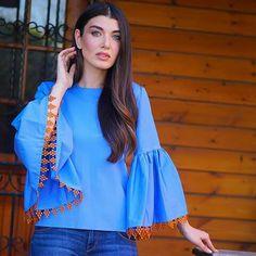 Deutsch Language, Turkish Actors, Actors & Actresses, Hair Beauty, Sari, Faces, Charcoal Picture, Hair Styles, Saree