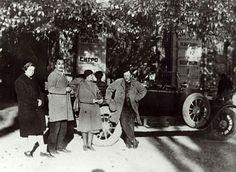 Με την Ελένη και την Μπιλιλί στη Γεωργία το φθινόπωρο του 1928 <br />