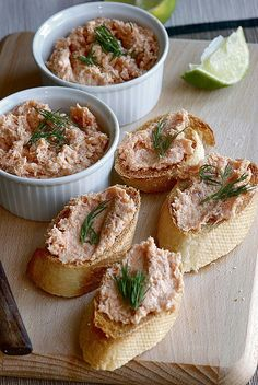 At Westport Winery we make our own SALMON PATÉ with smoked wild Coho blended with herbs and cheese, served with baguettes. It's perfect at lunch (daily dinner (Friday and Saturday or with a glass of wine, draft beer or cocktail at your convenience. Pate Recipes, New Recipes, Cooking Recipes, Favorite Recipes, Appetizer Buffet, Bread Appetizers, Russian Desserts, Russian Recipes, Salmon Terrine