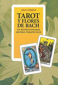 Tarot y flores de Bach de Julia Conesa editado por Indigo. En esta obra, la autora desarrolla la interconexión Arcano-Flor, desvelando el simbolismo espiritual y psicológico de cada Arcano y asignándole una o más Flores de Bach, para que la flor correspondiente otorgue el equilibrio.