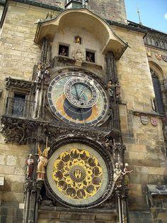 Astronomical Clock    Prague, Czech Republic
