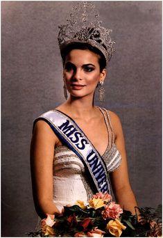 Maritza Sayalero, Miss Venezuela. Miss Universe Beautiful Inside And Out, How Beautiful, Most Beautiful Women, Amazing Women, Miss Internacional, Venezuelan Women, Prince Girl, Miss Mundo, Portrait
