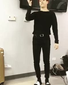 Yugyeom Freestyle Dancing // Born Hater by Epik High came on when I clicked on this and the song works so well with this GIF xD