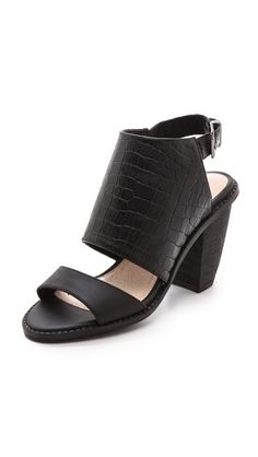 21d647307db 30 best  Style 3 chic  mid-low heel S images on Pinterest