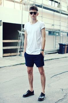 shorts + polera básica