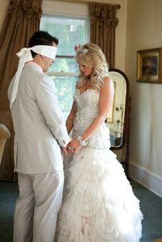 Prayer before wedding pic. Love this!