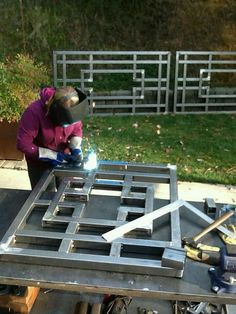 Inventive halved awesome metal welding projects Visit our Metal Projects, Welding Projects, Metal Crafts, Welding Ideas, Art Projects, Metal Welding, Welding Art, Welding Tools, Diy Tools