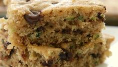BEST EVER ZUCCHINI BREAD RECIPE - Butter with a Side of Bread Zucchini Bars, Easy Zucchini Bread, Easy Zucchini Recipes, Quick Bread Recipes, Cookie Recipes, Dessert Recipes, Zucchini Banana, Cookie Desserts, Cookie Bars