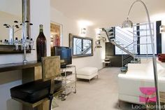 Magnificently modern triplex with a cinema, just a few minutes from the Paris Expo Porte de Versailles.
