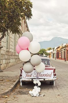Just married balloons! Photo: @orangeturtle Wedding Getaway Car, Dream Wedding, Wedding Day, Wedding Reception, Wedding Scene, Wedding Church, Forest Wedding, Reception Ideas, Wedding Venues