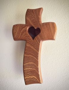 Driftwood Wall Art, Driftwood Crafts, Primitive Wood Crafts, Wooden Crafts, Wooden Crosses, Wooden Art, Woodworking Projects That Sell, Woodworking Crafts, Wood Phone Holder