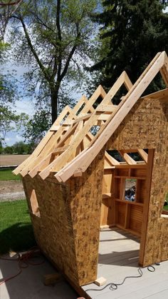 Timber children playhouse, construction process