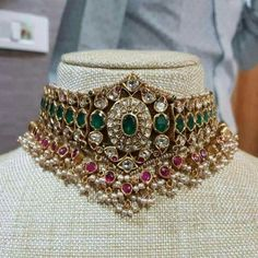 Indian Jewelry Earrings, Indian Jewelry Sets, Jewelry Design Earrings, Gold Earrings Designs, Bridal Jewelry Sets, Diamond Jewellery Indian, Jewelery, South Indian Jewellery, Bridal Jewellery