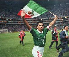Hugo Sanchez (Mexico) Hugo Sanchez, Mexico National Team, Earn Money Fast, Football Mexicano, Best Player, Soccer Players, American Football, Fifa, Olympics