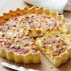 The best Quiche recipes - from classic quiche Lorraine to our delicious Leek and camembert quiche recipe, we've got the right quiche recipes for you Quiches, Brunch, Bacon Egg Bake, Gourmet Recipes, Cooking Recipes, Breakfast Quiche, Good Food, Yummy Food, Quiche Recipes
