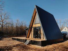 Building A Small Cabin, A Frame Cabin, Extra Rooms, Cabin Homes, Croatia, Garden Design, Camping, House Styles, Home Decor