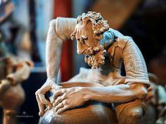 Daniel LEȘ & Maria ZAPCA Tradiții și obiceiuri în Maramureș 💙💛❤ Work Life Balance, Statue, Sculptures, Sculpture