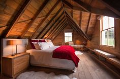 annandale-shepherds-cottage-bedroom3-via-smallhousebliss