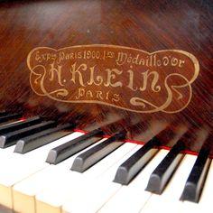 Piano Quart de Queue KLEIN  http://www.lasalledesventes.fr/antiquites-brocante/piano-quart-de-queue-klein,p,222