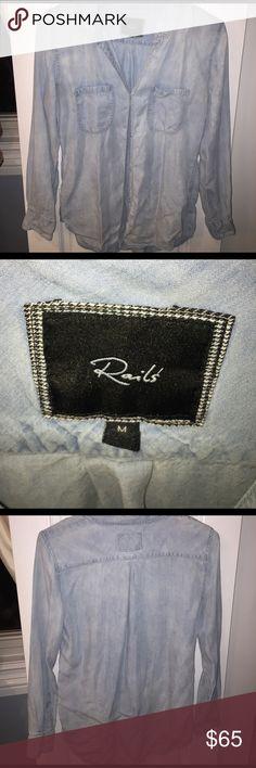 Rails button down Button down shirt. Runs big Rails Tops Button Down Shirts