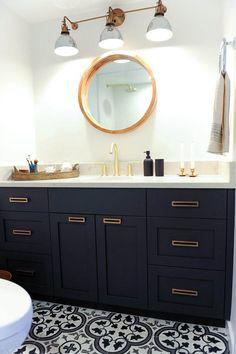 Black & white bath design with industrial elements including Grandview Triple Sconce by Rejuvenation Bad Inspiration, Decoration Inspiration, Bathroom Inspiration, Bathroom Ideas, Bathroom Organization, Decor Ideas, Bathroom Photos, Diy Ideas, Bathroom Designs