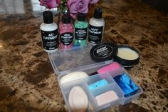 travel packing How I Travel With solid Lush Cosmetics Toiletries. How you can travel with little or no liquids and make packing easier and save some space in your suitcase Glasgow, Edinburgh, Cosmetics And Toiletries, Lush Cosmetics, Packing Tips For Travel, Travel Essentials, Packing Ideas, Carry On Packing, Packing Checklist