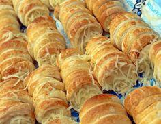 sajt sajtkrém leveles tészta sajtos roló vendégvárók vaj szerecsendió