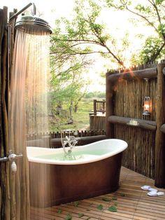 Outdoor Bathtub, Outdoor Bathrooms, Dream Bathrooms, Bathtub Dream, Outdoor Showers, White Bathrooms, Luxury Bathrooms, Master Bathrooms, Contemporary Bathrooms